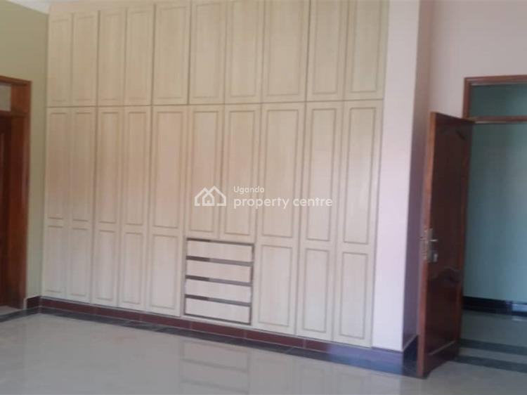 4 Bedroom Bungalow House, Kitende, Wakiso, Central Region, House for Sale
