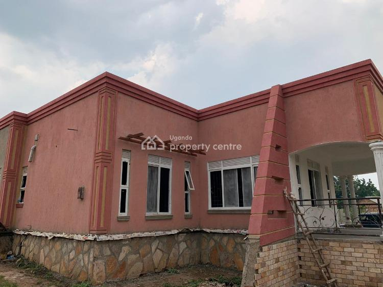 Luxurious 5 Bedrooms House, Gayaza Nakwero, Wakiso, Central Region, House for Sale