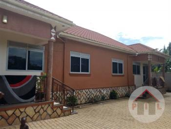 2 Bedroom Semi Detached, Kajjansi, Wakiso, Central Region, Semi-detached Bungalow for Sale