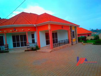 Spacious Mansion, Kira Town, Wakiso, Central Region, Detached Bungalow for Sale