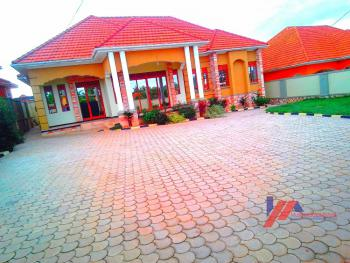 Executive Home in Kira on 30 Decimals, Kira Town, Wakiso, Central Region, Detached Bungalow for Sale