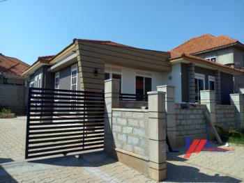 Awesome House, Kiwatule, Nakawa, Kampala, Central Region, Detached Bungalow for Sale